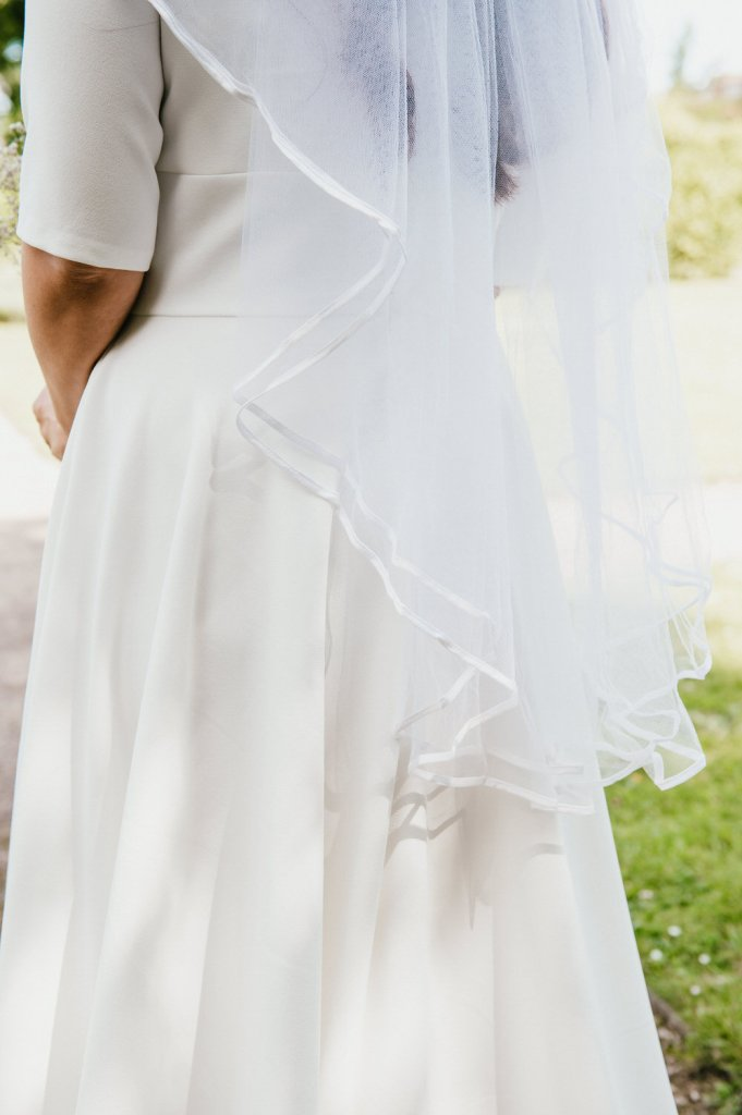 Vintage Bridal Veil and Classic Dress