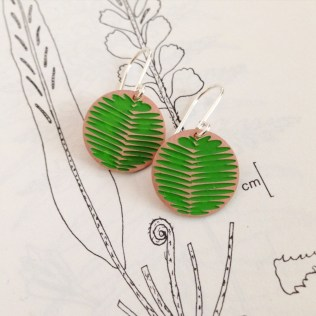 ER003FRCU(GR) MOON FROND COPPER (GREEN). BY JESSICA JUBB