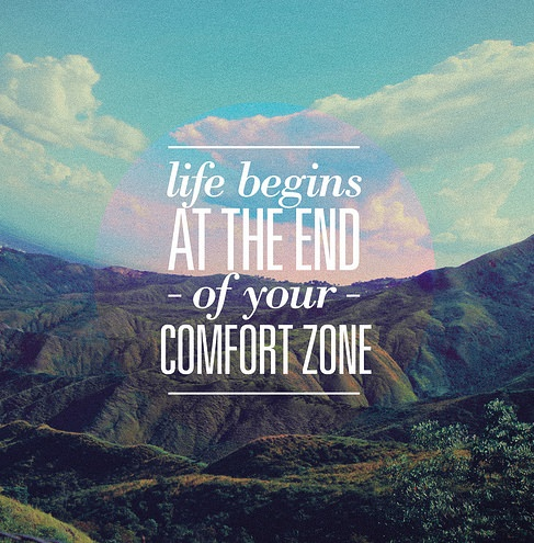 Download Life Begins at the End of Your Comfort Zone - Jessica Lawlor
