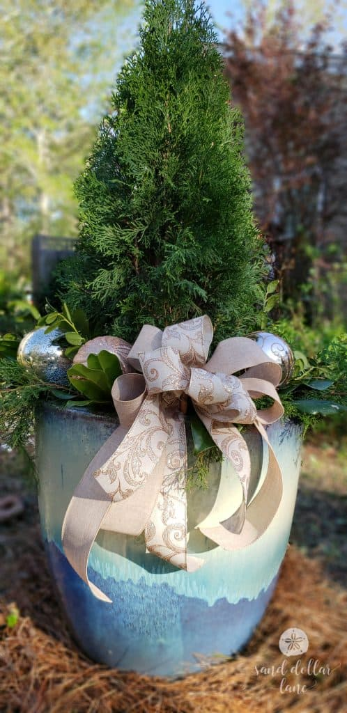 Outdoor Christmas Decorations Coastal-Christmas-Wreath-sandollarlane