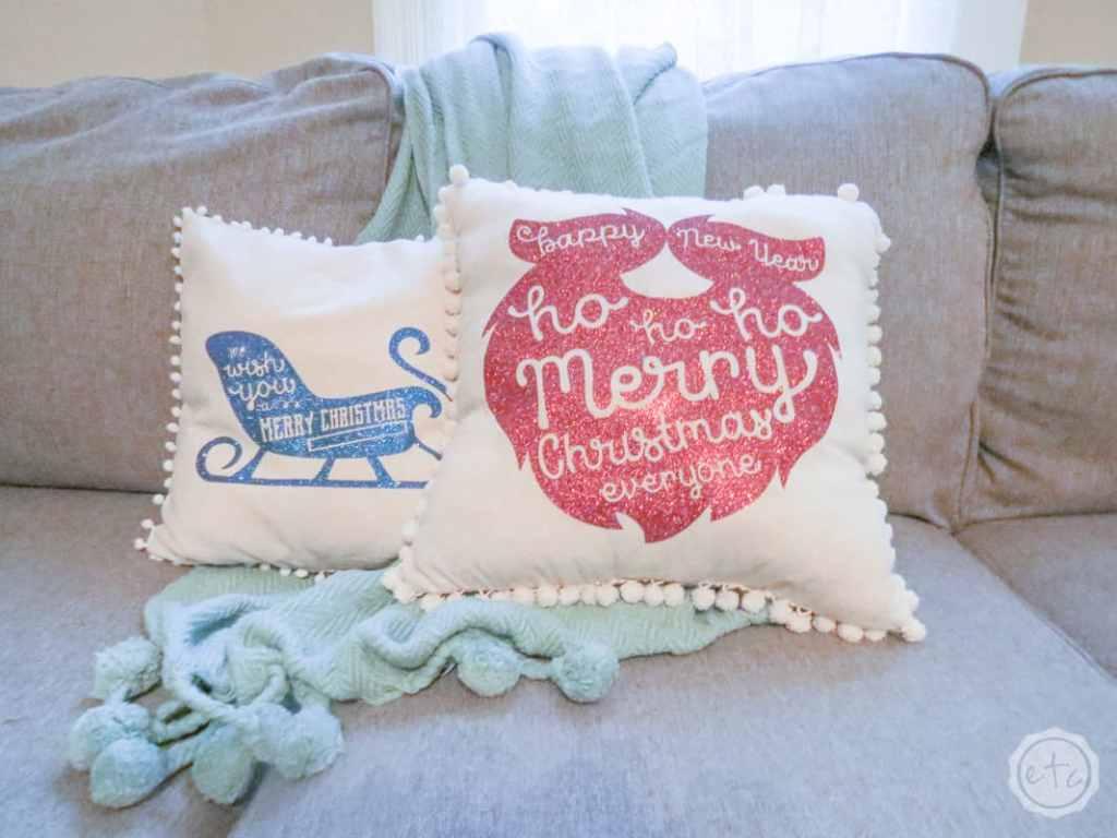 DIY Christmas gift -Holiday-Pillows-happilyeverafter