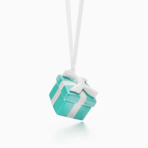 tiffany-blue-box-ornament-22024752_966356_ed