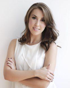 Jessica Desjardins - Founder of Beautezine