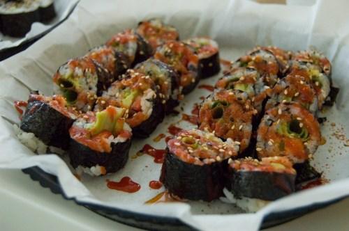 strawberry, green onion & avocado roll