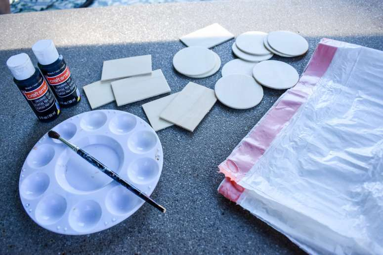 photo of supplies for painted chalkboard labels