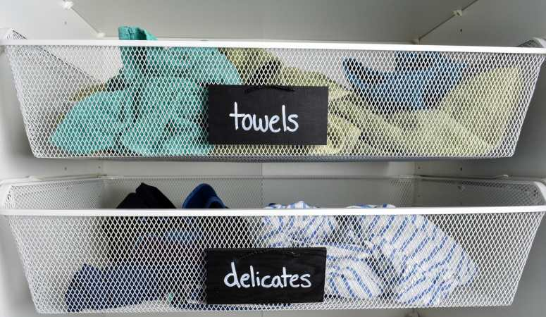 Easy Painted Chalkboard Labels!