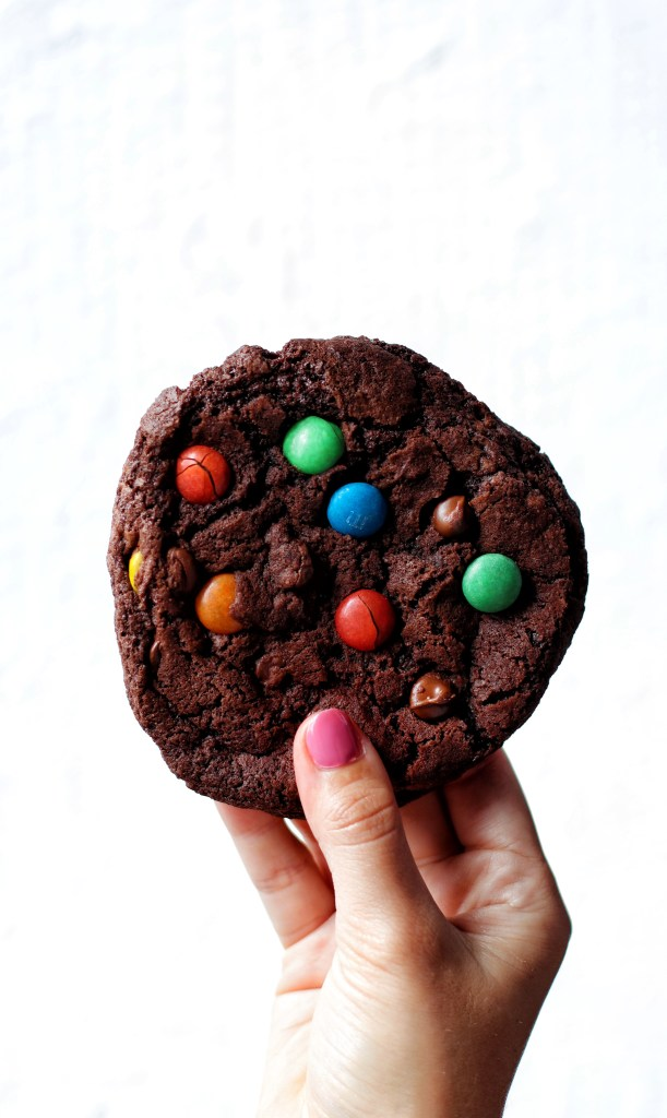M&M Chocolate cookie