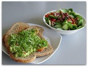 """avocadospread met snelle salade e2809con the sidee2809d - Avocadospread met snelle salade """"on the side"""""""