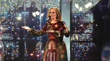 brit-awards-2016-everyone-loved-adeles-performance-of-when-we-were-young-136404261666303901-160224233103
