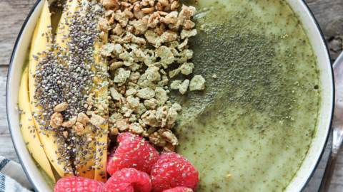 Tropical Matcha Smoothie Bowl