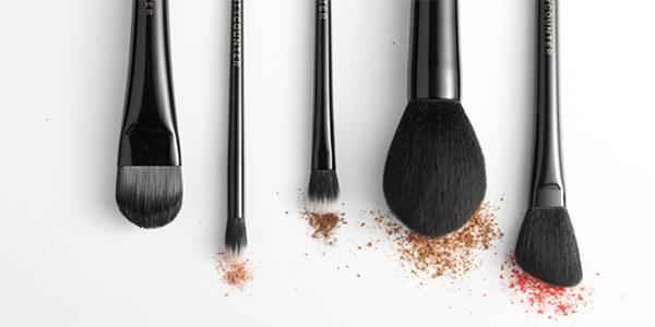 beautycounter-cosmetics-brushes