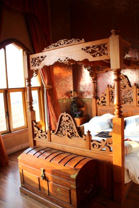 Four Poster Bed fit for a Princess