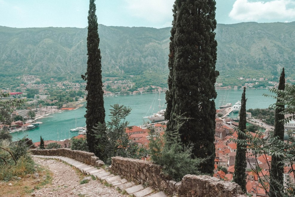 Hiking up the city walls to the Kotor Fortress