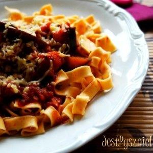 Pęczak z pomidorami i pieczarkami