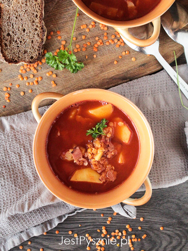 Zupa soczewicowa z ziemniakami na boczku