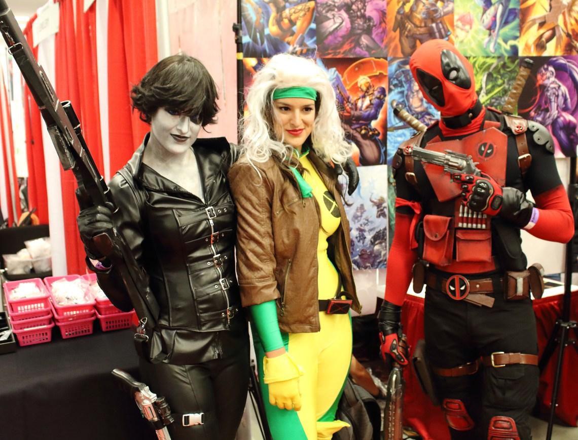 Cosplay de Deadpool et de ses copines durant le Comiccon de Montréal 2016