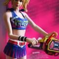 Vue d'ensemble de la figurine VTS Chainsaw Girl avec la tronçonneuse