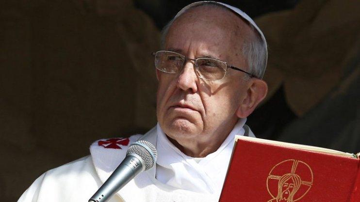 Resultado de imagen de papa francisco serio