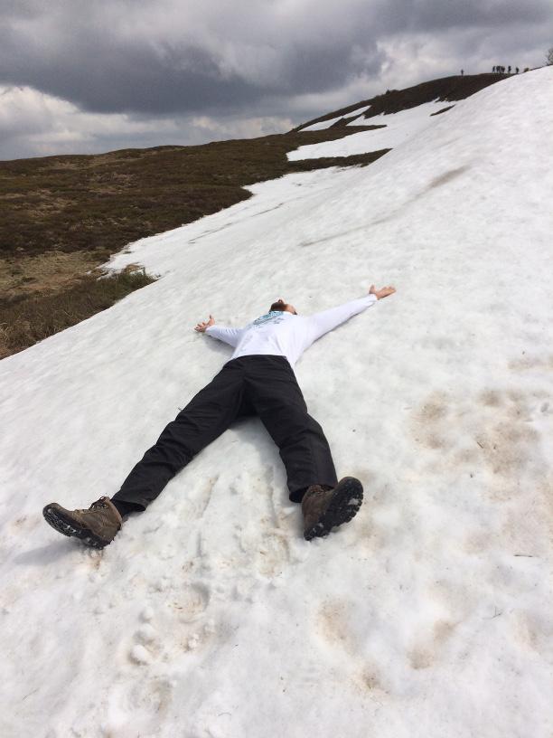 trasa na Tarnicę. Śnieg w Bieszczadach w maju.