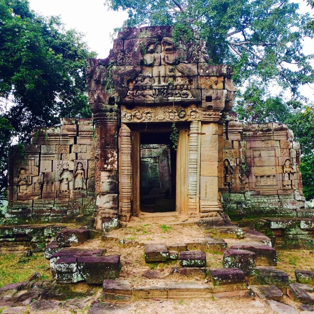 hidden temple Angkor