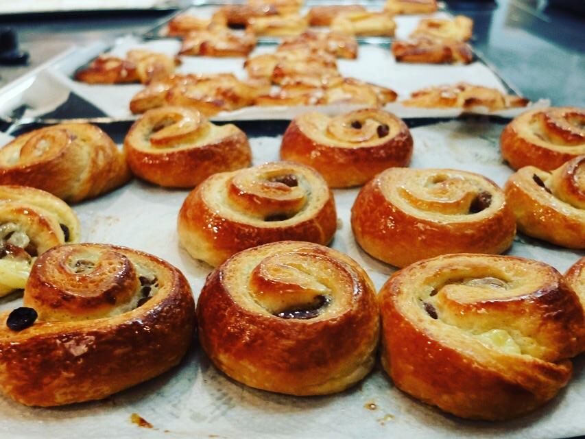 La Cuisine Paris Le Croissant & Breakfast Pastries