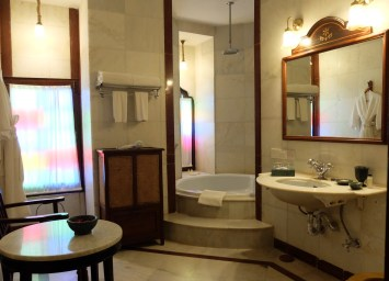 Bal-Samand-Palace-Hotel-suite-bathroom