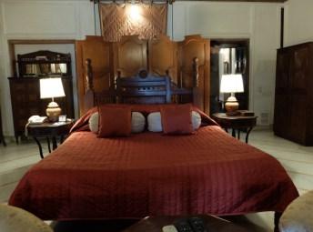 Bal-Samand-Palace-Hotel-suite