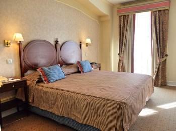 Hotel-As-Janelas-Verdes-bedroom