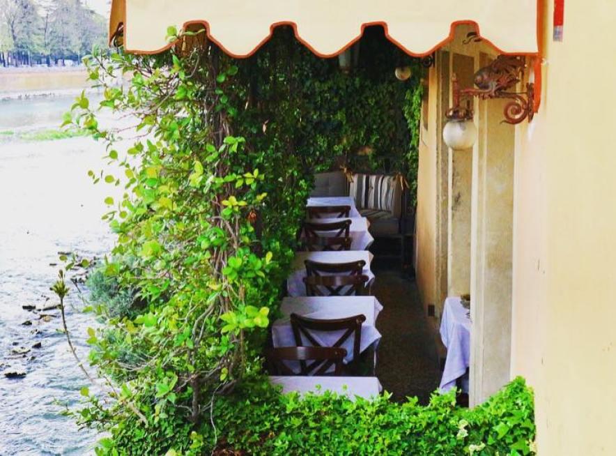 Osteria-Ponte-Pietra-Romantic-Restaurant-Verona