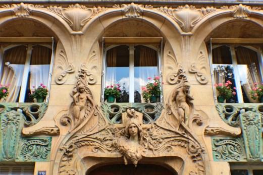Lavirotte-building-art-nouveau-Rapp-Paris