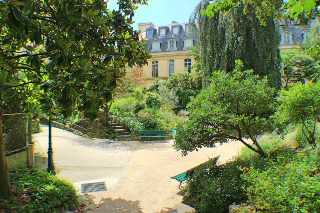 Square-Roger-Stéphane-75007-Paris