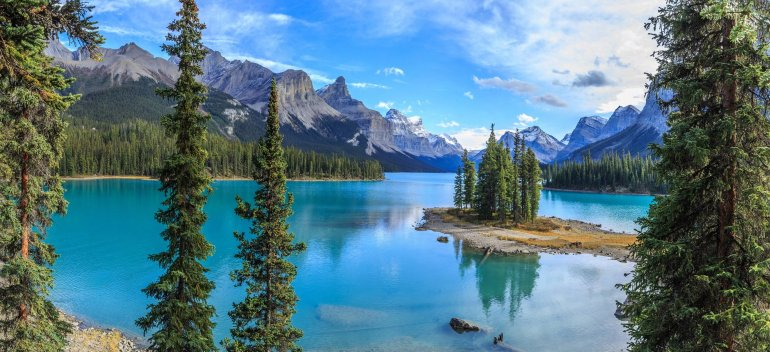 Spirit Island is a small evergreen filled island that sits in the middle of Maligne lake.