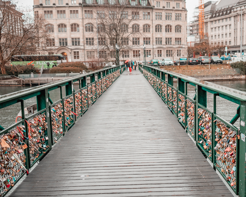 Picture of a bridge along the Limmat River with locks.