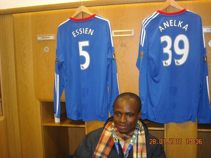Akesse Sanza poses with Micheal Essien's lockers