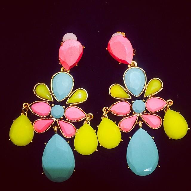 oscar-de-la-renta-clips-earrings