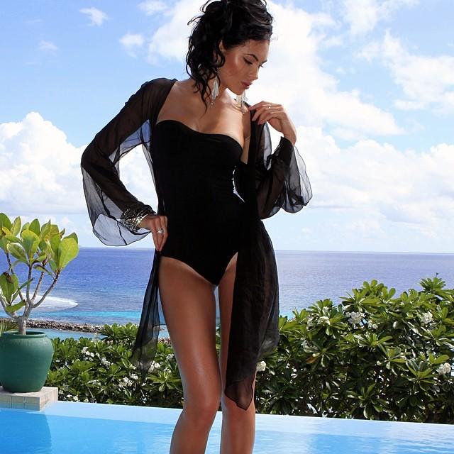 Swim Wear & Bikini Fashion