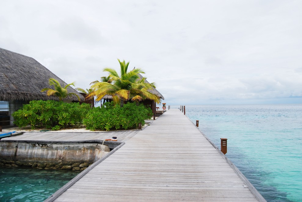 deck at veligandu island maldives