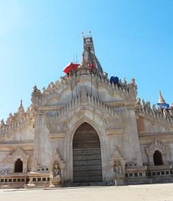Biking in Bagan, temple hopping 8