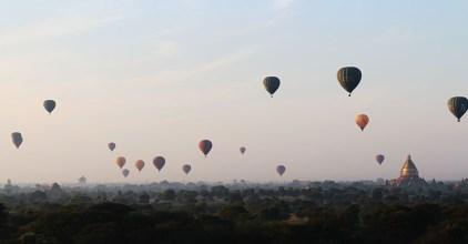Sunrise in Bagan, balloons 6
