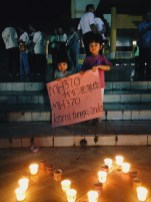 """Tumblr's MsPowPhoto posts children holding a sign in Chinese: """"We're waiting for you."""""""