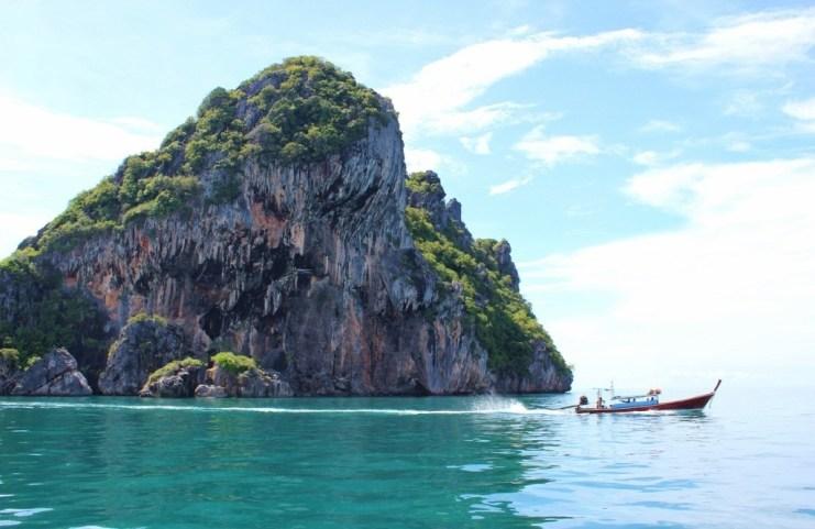 Snorkeling at Koh Chuek island on 4 Island Tour from Koh Lanta, Thailand