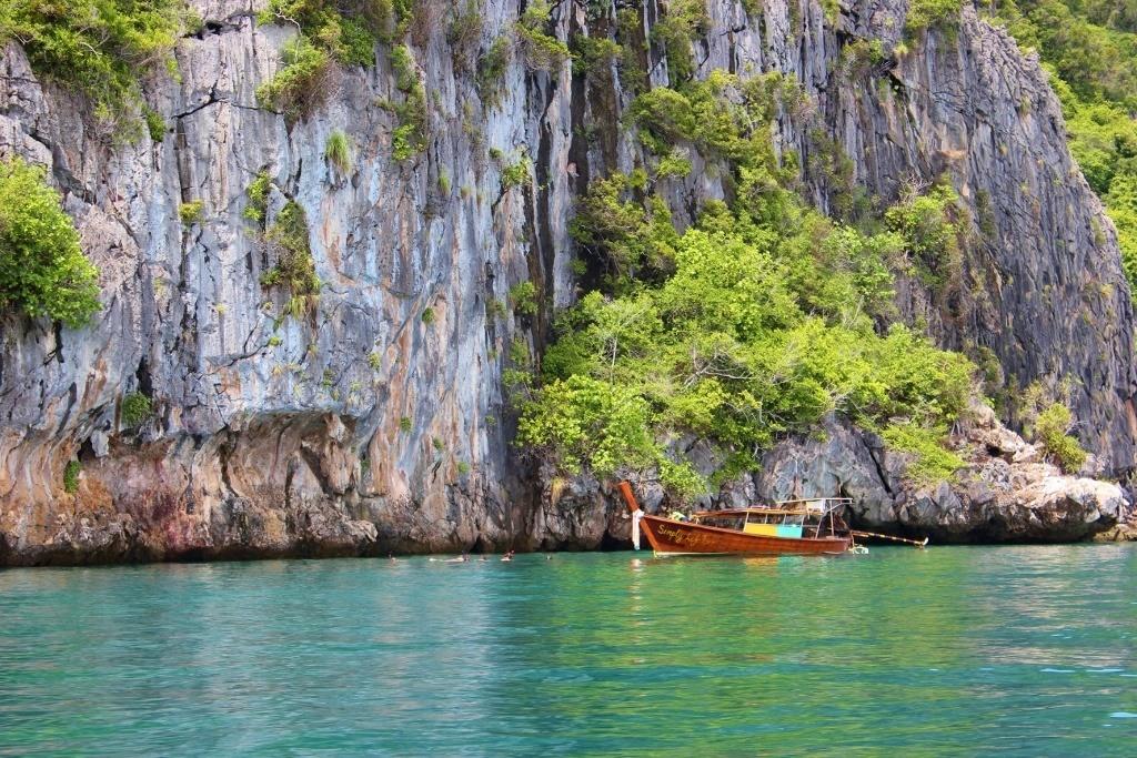 Snorkeling at Koh Waen on 4 Island Tour from Koh Lanta, Thailand