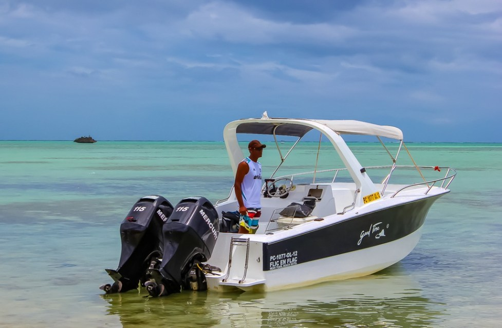 Speedboat for Dolphin Tour in Mauritius