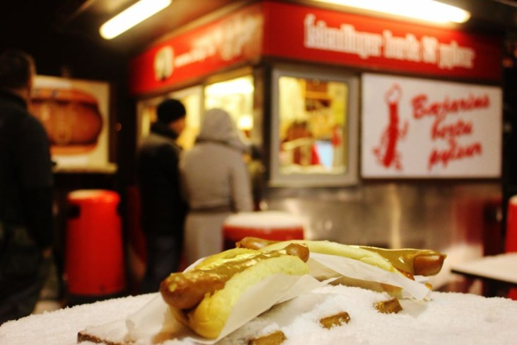 Best Things to Eat in Reykjavik Hot Dogs JetSetting Fools