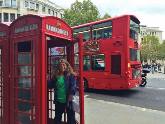 15-Day London Paris Rome Itinerary London Red Telephone Booth Double-Decker Bus