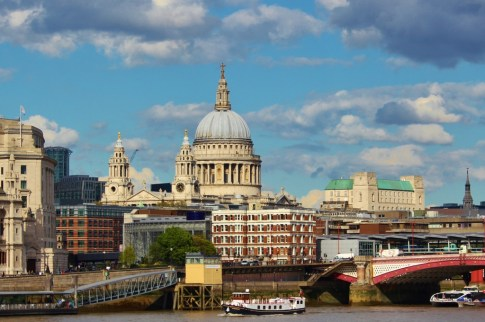 St. Paul's Cathedral in London, England, jetsettingfools.com