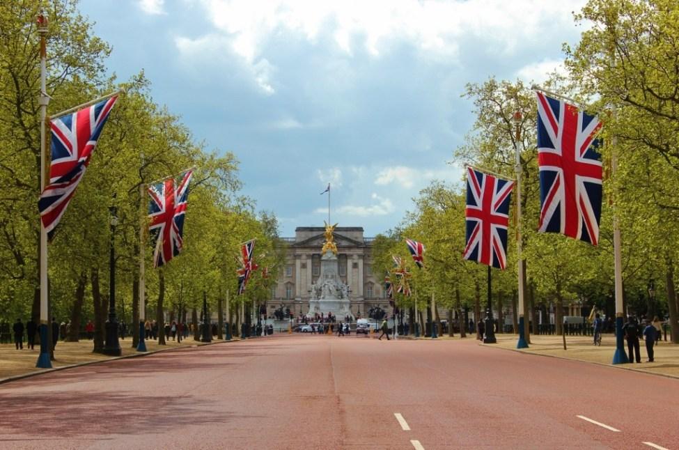 The Mall between Trafalgar Square and Buckingham Palace in London, England, jetsettingfools.com