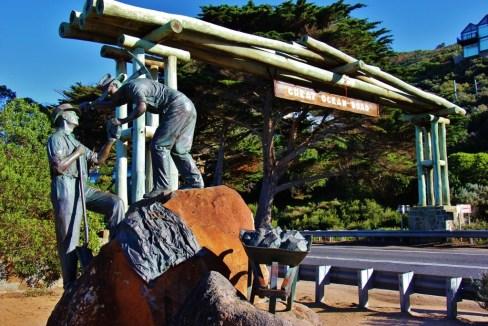Statue at Great Ocean Road Memorial Arch, Australia, JetSettingFools.com