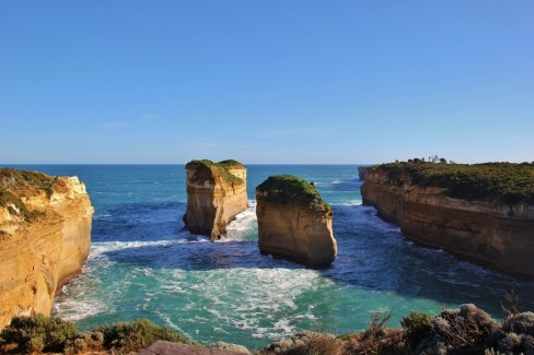 Rock Formations at Loch Ard Gorge Lookout, 12 Apostles, Great Ocean Road, Australia, JetSettingFools.com