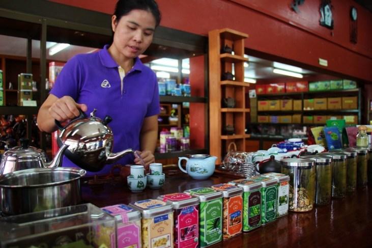 Tea demonstration at Suwirun Tea Shop in Chiang Rai, Thailand